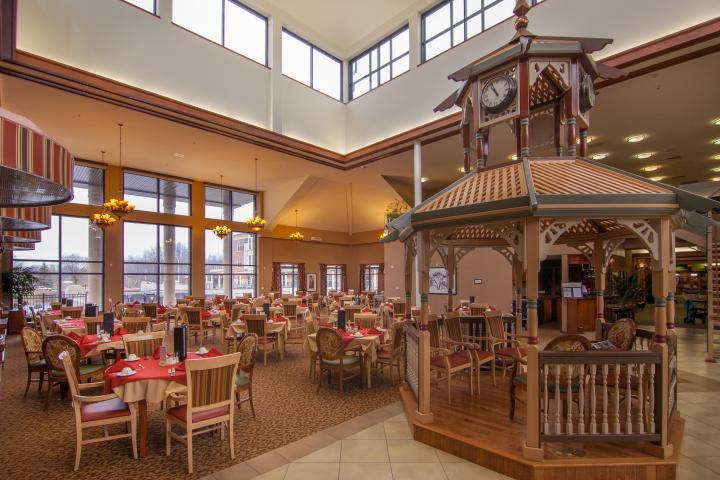 Retirement Living Dining at The Village of Arbour Trails in Guelph